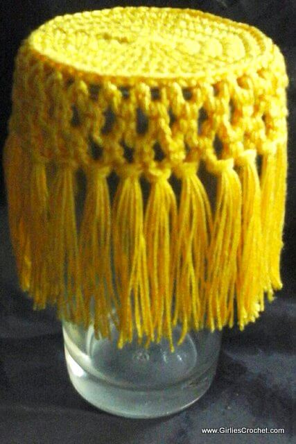 fringy glass cover, free crochet pattern, thread, homey