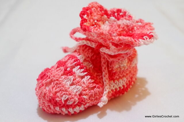free crochet pattern, irish baby booties, easy, thread, photo tutorial
