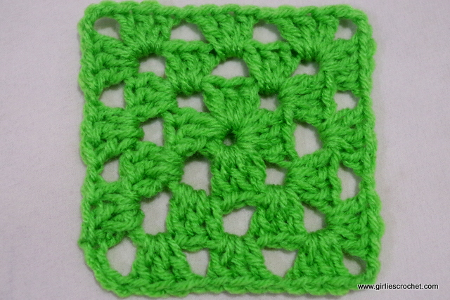 free crochet pattern, easy granny square, for beginners, yarn